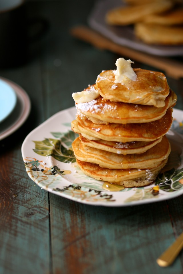 Banana-Milk-Chocolate-Weekend-Pancakes-6-e1457635261730.jpg